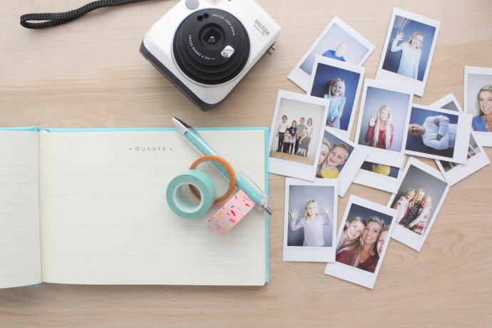 use-Instax-for-your-Guest-Book-690x460