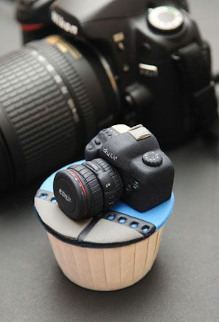 2104f9edd49a8cd31359bf27eb97f844--camera-cakes-best-cameras